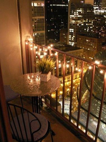 Фотография: Флористика в стиле , Балкон, Прованс и Кантри, Квартира, Декор, Советы, как обустроить открытый балкон, городской балкон, открытый балкон, идеи для открытого балкона – фото на InMyRoom.ru