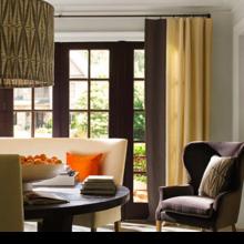 Фотография: Гостиная в стиле Современный, Дом, Цвет в интерьере, Дома и квартиры, Оранжевый – фото на InMyRoom.ru