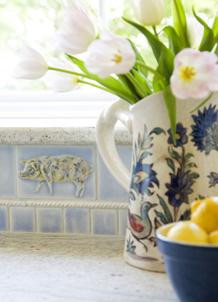 Фотография: Декор в стиле Прованс и Кантри, Кухня и столовая, Интерьер комнат – фото на InMyRoom.ru