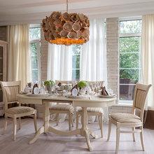 Фотография: Кухня и столовая в стиле Кантри, Дом, Интерьер комнат, Прованс, Дача, Камин – фото на InMyRoom.ru
