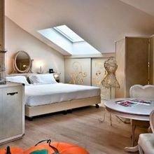 Фотография: Спальня в стиле Кантри, Дома и квартиры, Городские места, Отель, Модерн, Милан, Замок – фото на InMyRoom.ru
