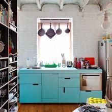 Фотография: Кухня и столовая в стиле Лофт, Малогабаритная квартира, Интерьер комнат – фото на InMyRoom.ru
