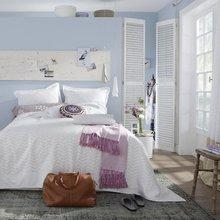 Фотография: Спальня в стиле Кантри, Декор интерьера, Дизайн интерьера, Цвет в интерьере, Белый – фото на InMyRoom.ru