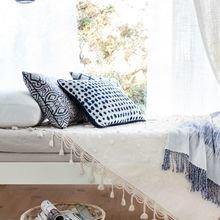 Фотография: Спальня в стиле Кантри, Декор интерьера, Декор, Белый, Зеленый, Бежевый, Синий, Голубой, Оранжевый, Бирюзовый – фото на InMyRoom.ru