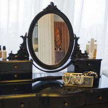 Фотография: Мебель и свет в стиле Классический, Декор интерьера, Квартира, Foscarini, G&C, Lisbeth Dahl, Nordal, Дома и квартиры, Интерьерная Лавка – фото на InMyRoom.ru