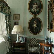 Фотография: Спальня в стиле Кантри, Классический, Декор интерьера, Декор дома, Картины – фото на InMyRoom.ru