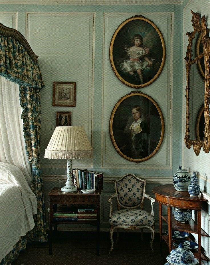 Фотография: Спальня в стиле Прованс и Кантри, Классический, Декор интерьера, Декор дома, Картины – фото на InMyRoom.ru