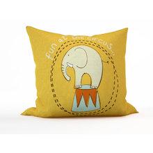 Дизайнерская подушка: Цирковой слон