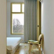Фотография: Спальня в стиле Современный, Малогабаритная квартира, Квартира, Цвет в интерьере, Дома и квартиры, Белый – фото на InMyRoom.ru