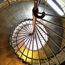 Фотография:  в стиле Кантри, Современный, Декор интерьера, Дом, Декор дома, Лестница – фото на InMyRoom.ru