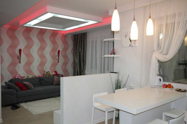 Фотография: Кухня и столовая в стиле Современный, Малогабаритная квартира, Квартира, Цвет в интерьере, Дома и квартиры, Белый – фото на InMyRoom.ru