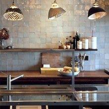 Фотография: Кухня и столовая в стиле Лофт, Прихожая, Декор интерьера, Дом, Мебель и свет, Дома и квартиры, Лондон, Плитка – фото на InMyRoom.ru