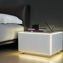 Фотография: Спальня в стиле Современный, Хай-тек, Декор интерьера, Мебель и свет, Стол – фото на InMyRoom.ru