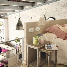 Фотография: Спальня в стиле Кантри, Лофт, Декор интерьера, Дизайн интерьера, Цвет в интерьере, Балки, Розовый, Фуксия – фото на InMyRoom.ru