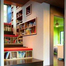 Фотография: Декор в стиле Современный, Декор интерьера, Дом, Интерьер комнат, Библиотека, Книги – фото на InMyRoom.ru