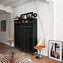 Фотография: Гостиная в стиле Эклектика, Квартира, Цвет в интерьере, Дома и квартиры, Стены, Балки – фото на InMyRoom.ru
