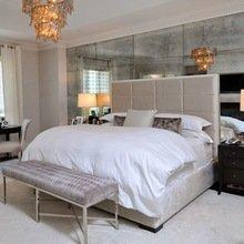 Фотография: Спальня в стиле Эклектика, Декор интерьера, Малогабаритная квартира, Мебель и свет, Советы, Стены, Зеркало, Окна – фото на InMyRoom.ru