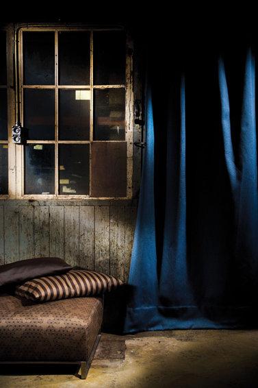 Фотография: Ванная в стиле Современный, Цвет в интерьере, Стиль жизни, Советы, Ткани, Галерея Арбен, Шторы, Окна – фото на InMyRoom.ru