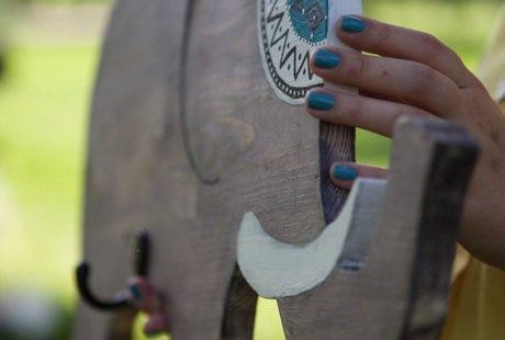 Вешалка слон, массив дерева