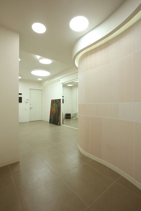 Фотография: Прихожая в стиле Современный, Квартира, Дома и квартиры, Проект недели, Перепланировка – фото на InMyRoom.ru