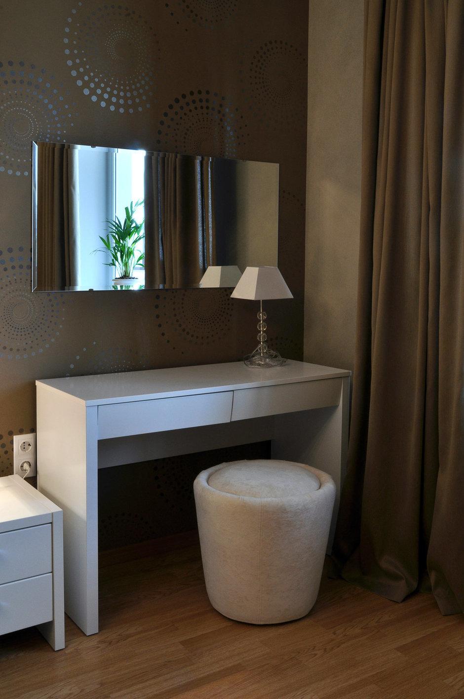 Фотография: Мебель и свет в стиле Современный, Восточный, Малогабаритная квартира, Квартира, Цвет в интерьере, Дома и квартиры, Белый, Переделка – фото на InMyRoom.ru
