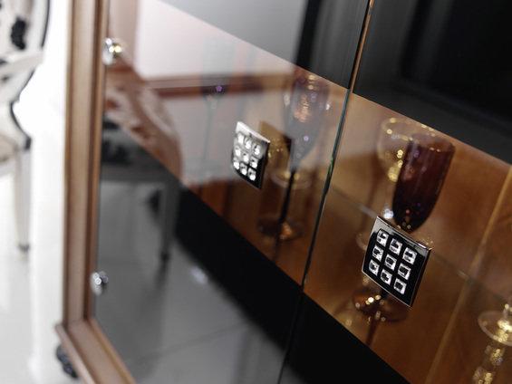 Фотография: Гостиная в стиле Эклектика, Декор интерьера, Мебель и свет – фото на InMyRoom.ru