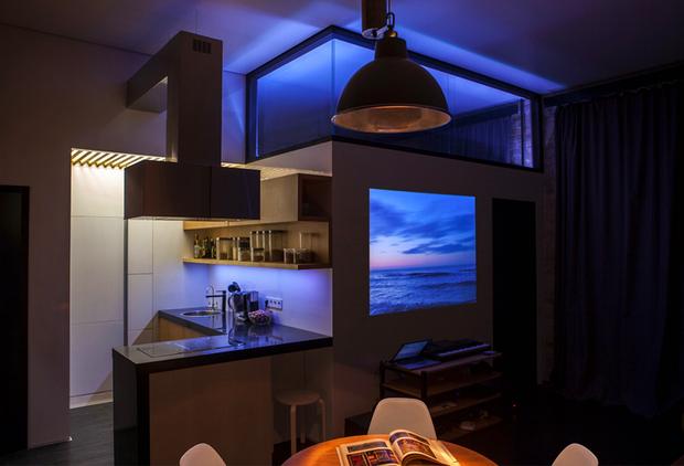 Фотография: Кухня и столовая в стиле Лофт, Декор интерьера, Советы, стекло в интерьере, пластик в интерьере, интерьерный тренд, тенденция – фото на InMyRoom.ru
