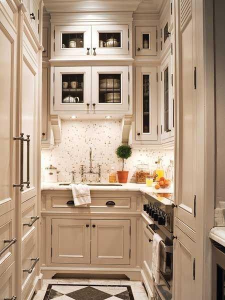 Фотография: Кухня и столовая в стиле Скандинавский, Малогабаритная квартира, Интерьер комнат – фото на InMyRoom.ru