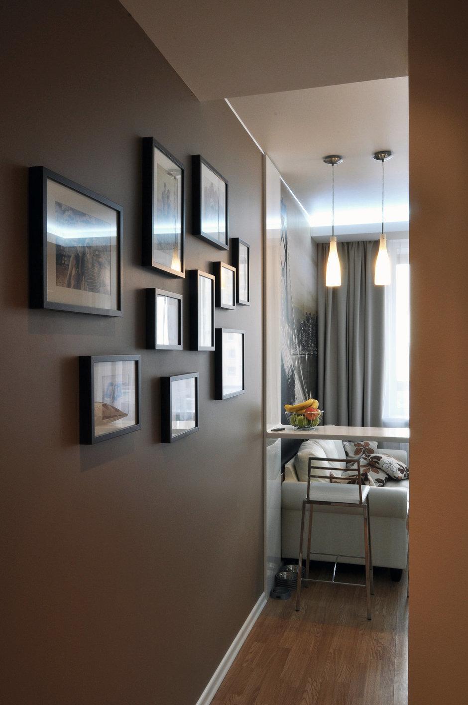 Фотография: Прихожая в стиле Современный, Малогабаритная квартира, Квартира, Цвет в интерьере, Дома и квартиры, Белый, Переделка – фото на InMyRoom.ru