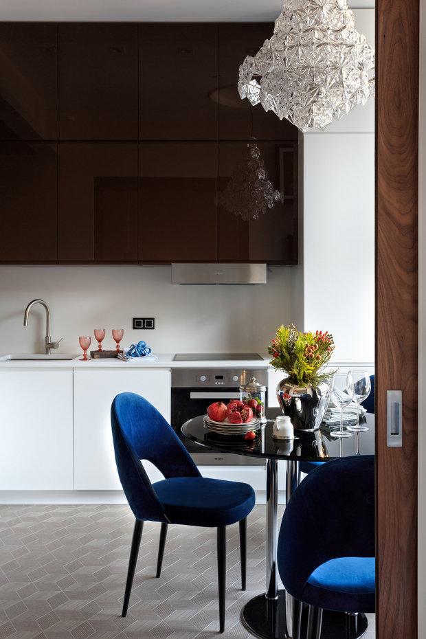 Фотография: Кухня и столовая в стиле Современный, Перепланировка – фото на INMYROOM