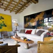 Фотография: Гостиная в стиле Кантри, Дом, Испания, Дома и квартиры, Современное искусство – фото на InMyRoom.ru