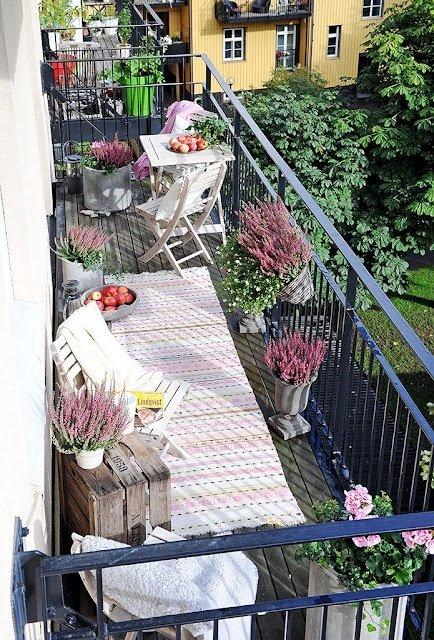 Фотография: Балкон в стиле Прованс и Кантри, Скандинавский, Ландшафт, Декор, Терраса, Советы, Мария Шумская, Есения Семипядная, элегантный городской балкон, винтажные вещи на балконе, восточный декор для балкона, балкон в средиземноморском стиле, ландшафтный дизайн для балкона, горизонтальное озеленение, хвойные растения на балконе – фото на InMyRoom.ru
