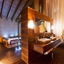 Фотография: Ванная в стиле Современный, Эклектика, Дом, Дома и квартиры, Большие окна, Шале – фото на InMyRoom.ru
