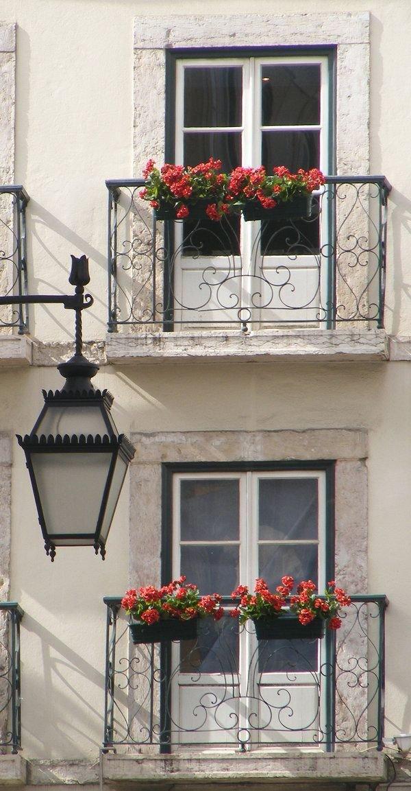 Фотография:  в стиле , Балкон, Квартира, Аксессуары, Мебель и свет, Терраса, Советы, Ремонт на практике, бюджетное обновление балкона, экономичный ремонт на балконе – фото на InMyRoom.ru