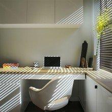 Фотография: Кабинет в стиле Минимализм, Декор интерьера, Малогабаритная квартира, Квартира, Цвет в интерьере, Дома и квартиры, Белый – фото на InMyRoom.ru