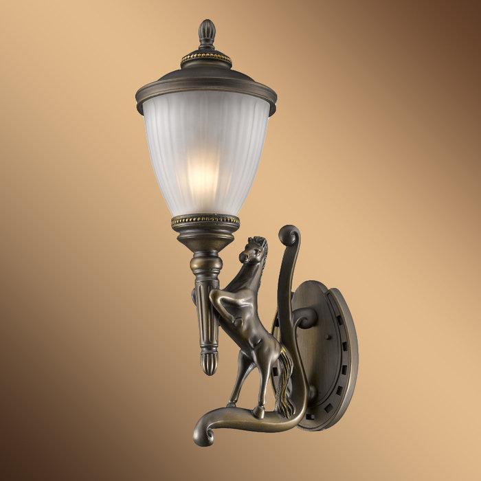 Уличный настенный светильник FAVOURITE GUARDS
