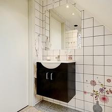 Фотография: Ванная в стиле Кантри, Скандинавский, Малогабаритная квартира, Квартира, Швеция, Дома и квартиры – фото на InMyRoom.ru