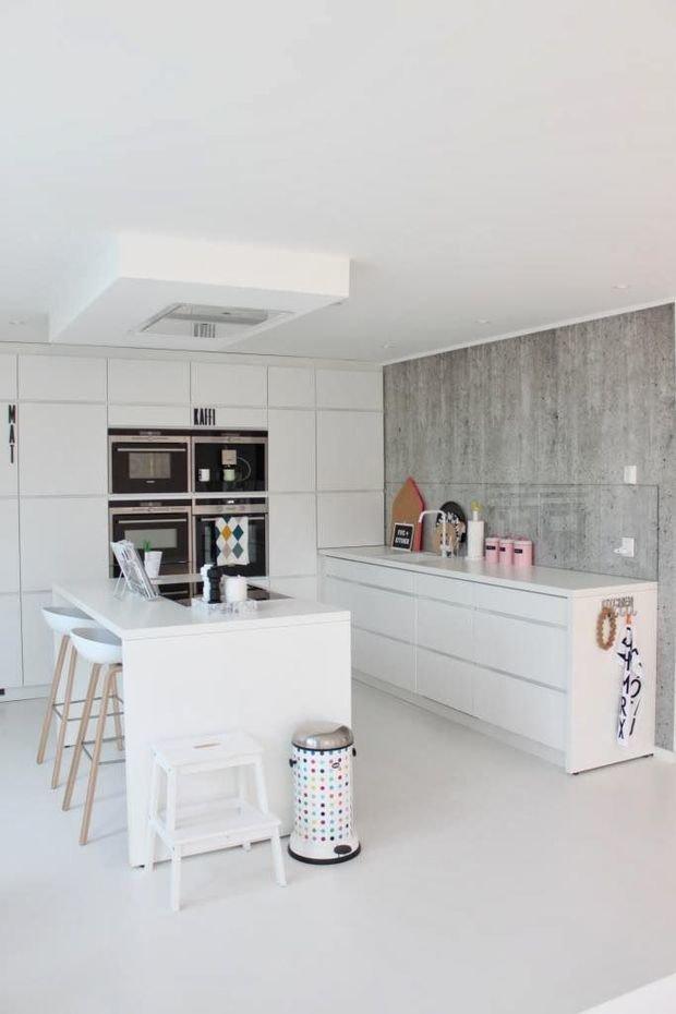 Фотография: Кухня и столовая в стиле Лофт, Минимализм, Декор интерьера, Декор – фото на InMyRoom.ru