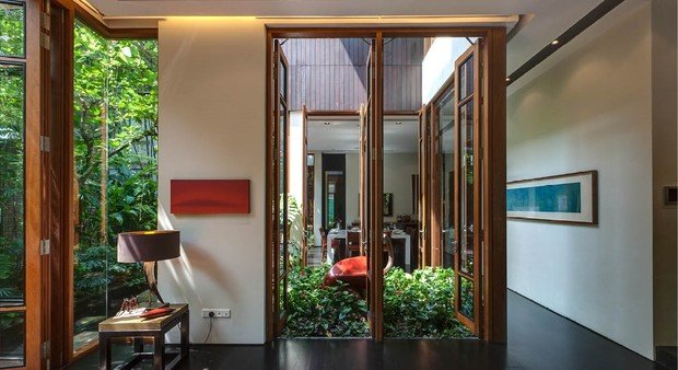 Фото из портфолио Бассейн на крыше и джунгли в гостиной – фотографии дизайна интерьеров на INMYROOM