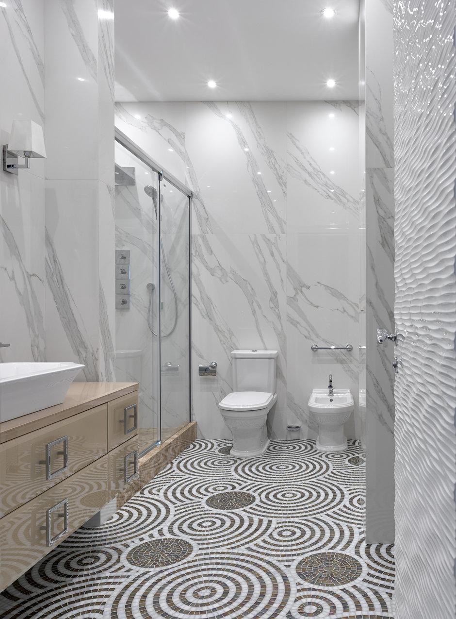 Фотография: Ванная в стиле Классический, Современный, Пентхаус, Минск, Монолитный дом, 2 комнаты, Более 90 метров, #эксклюзивныепроекты, «Бахарев и партнеры» – фото на InMyRoom.ru
