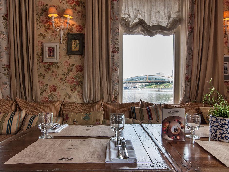 Фотография:  в стиле Классический, Современный, Прованс и Кантри, Италия, Дома и квартиры, Городские места, Прованс, Ресторан – фото на InMyRoom.ru