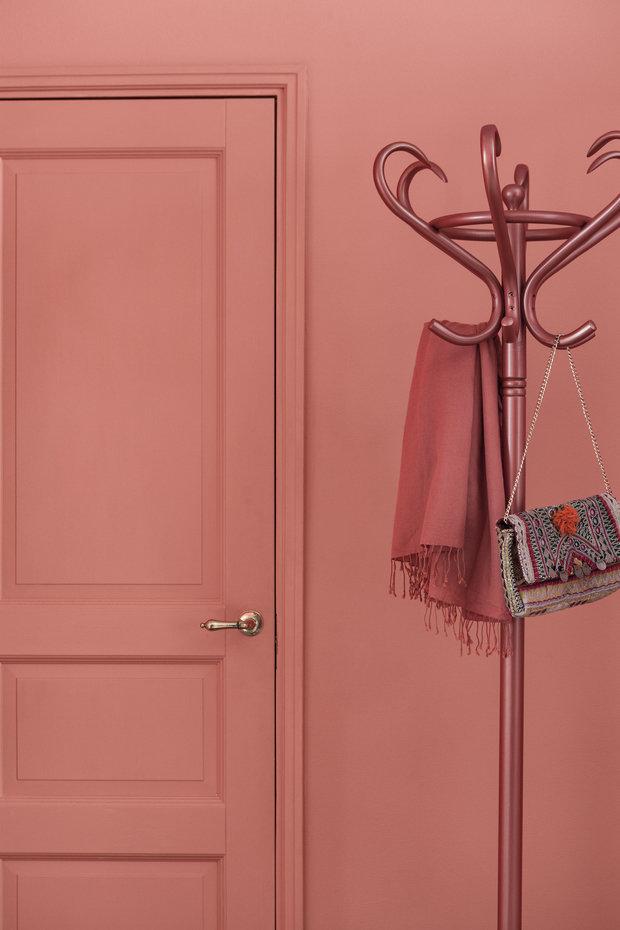 Фотография: Прихожая в стиле Минимализм, Декор интерьера, Советы, Надя Зотова, Tikkurila, Даша Ухлинова, Cubiq Studio, студия Enjoy Home, Soul Concrete, Мария Черкасова, Zi-Design, цветные двери, Flamingo – фото на INMYROOM