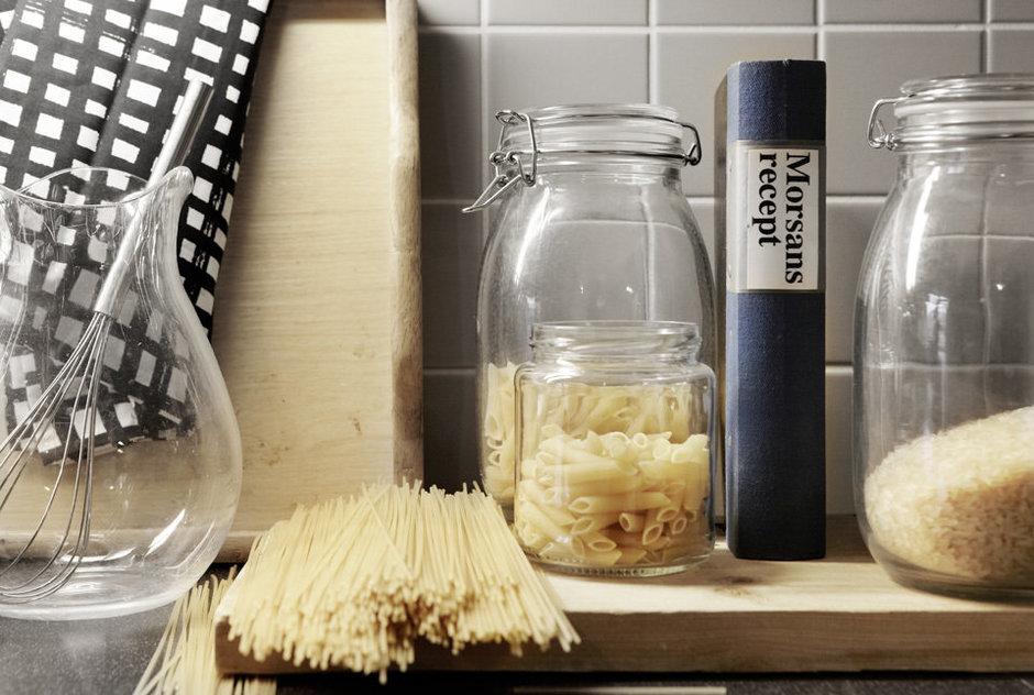 Фотография: Кухня и столовая в стиле Современный, Детская, Квартира, Швеция, Цвет в интерьере, Дома и квартиры, Белый – фото на InMyRoom.ru