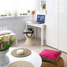 Фотография: Гостиная в стиле Скандинавский, Современный, Малогабаритная квартира, Квартира, Испания, Цвет в интерьере, Дома и квартиры, Белый – фото на InMyRoom.ru