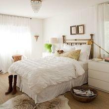 Фотография: Спальня в стиле Кантри, Классический, Современный, Декор интерьера, Дом, Цвет в интерьере, Стиль жизни, Советы – фото на InMyRoom.ru