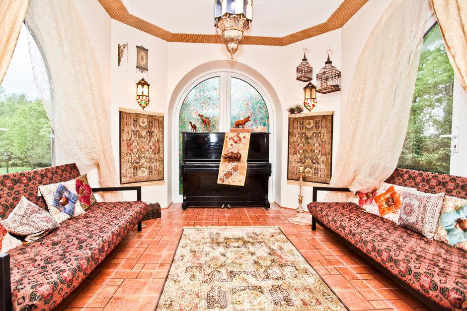 Фотография: Гостиная в стиле Современный, Восточный, Дом, Дома и квартиры – фото на InMyRoom.ru