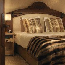 Фотография: Спальня в стиле Кантри, Дом, Дома и квартиры, Городские места, Отель, Дом на природе – фото на InMyRoom.ru