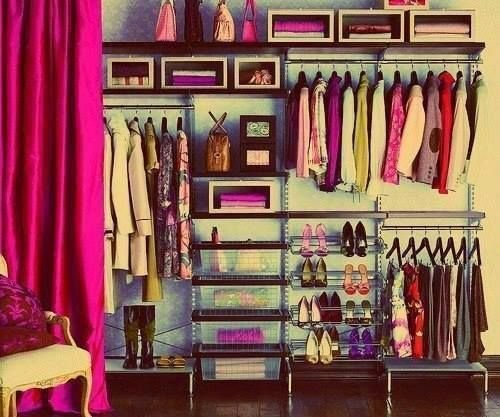 Фотография:  в стиле Современный, Гардеробная, Малогабаритная квартира, Хранение, Интерьер комнат, Гардероб – фото на InMyRoom.ru