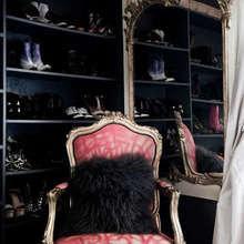 Фотография: Гардеробная в стиле Классический, Хранение, Системы хранения – фото на InMyRoom.ru