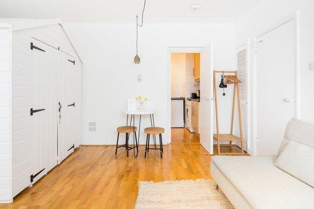 Фотография: Гостиная в стиле Минимализм, Современный, Декор интерьера, Малогабаритная квартира, Квартира, Студия, 1 комната, до 40 метров, 40-60 метров – фото на INMYROOM